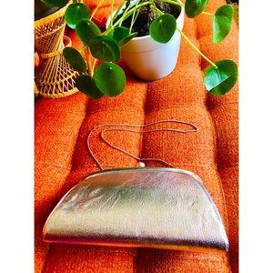 🌼NewToCloset -Vintage Silver Handbag or shoulder
